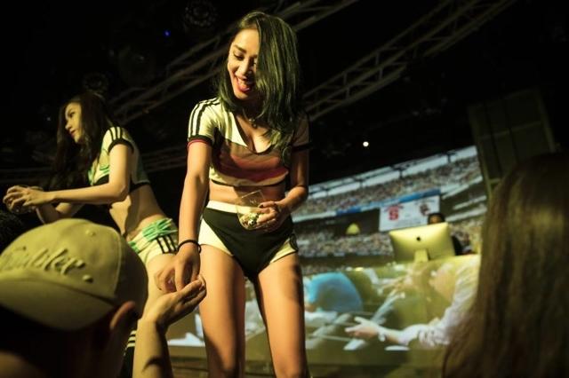 7/25 (三) 台北夜店Taipei nightclub Franny Taipei x JKF 捷克論壇 派對隆重登場